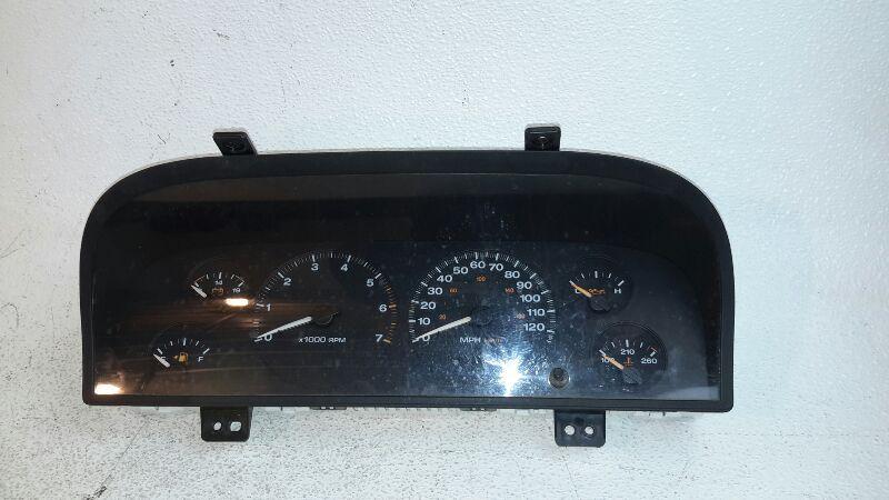 2004 Jeep Grand Cherokee Speedometer Instrument Cluster Gauges
