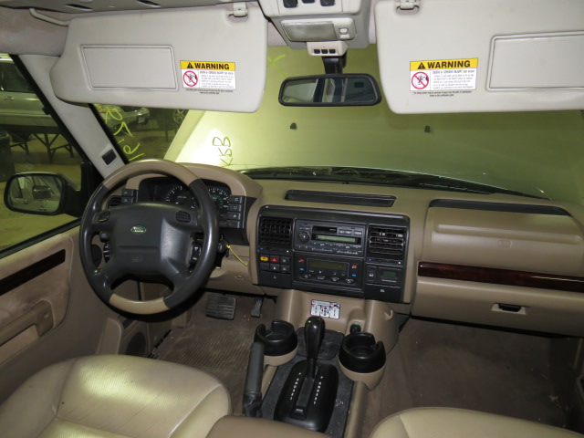 Photos of land rover discovery photo galleries on flipacars for Land rover 2000 interior