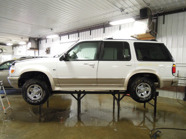 Ford Explorer 4x4 Front Axle : Ford explorer front axle differential ebay